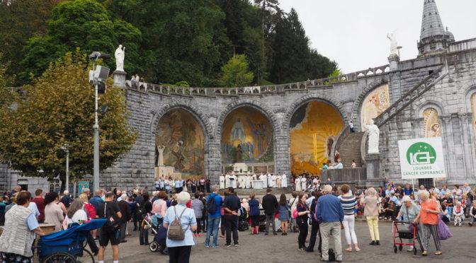Calendrier Des Pelerinages Lourdes 2019.Pelerinage A Lourdes Avec Lourdes Cancer Esperance Paris